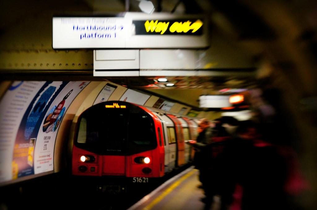 london-tube-underground-train
