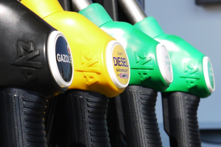 France to ban petrol and diesel cars by 2040